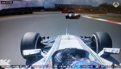 Bottas-acosando-a-su-compañero-Massa,-cuando-ambos-lideraban-la-carrera
