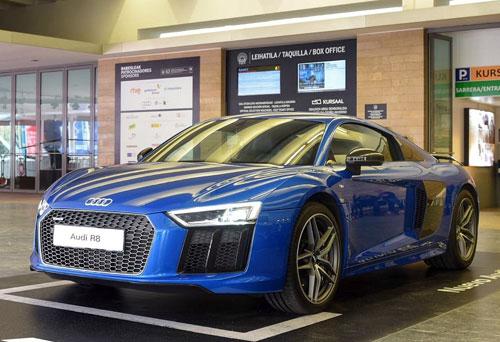 1-Audi-R8