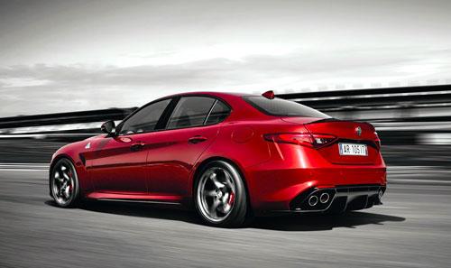 2-Alfa-Romeo-Giulia-2