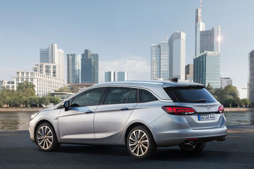 2-Opel-Astra-Sports-Tourer-3