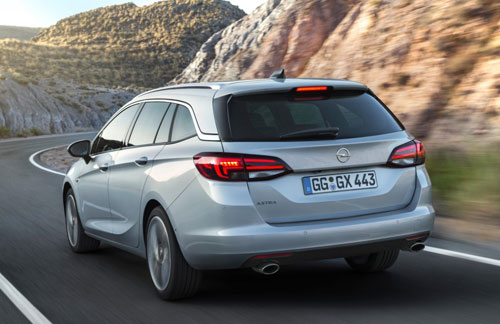 3-Opel-Astra-Sports-Tourer-2