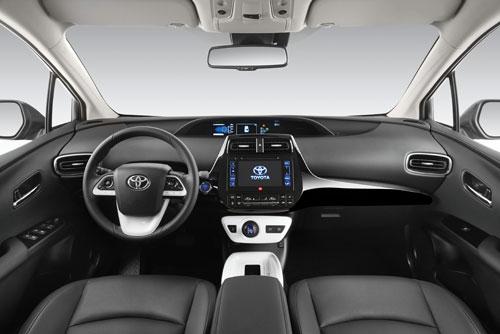 3-Toyota-Prius-3