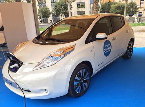 Nissan vehículo eléctrico en Barcelona (quintamarcha)