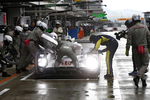 2-Porsche-2
