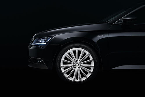 Skoda Superb (quintamarcha.com)