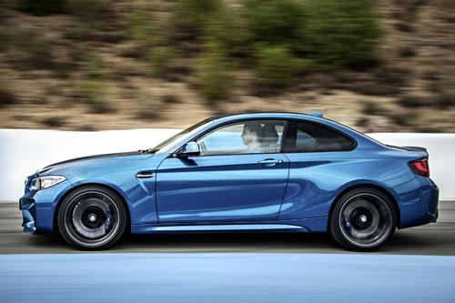 4-BMW-M2-4