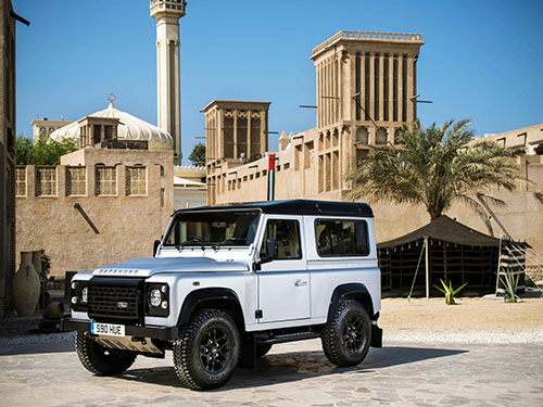 1-Defender-2MM-en-Dubai_2