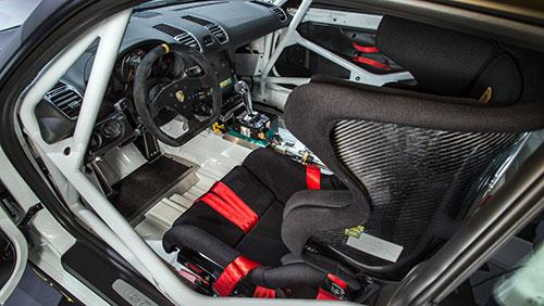 3-Porsche-Cayman-GT4-Clubsport-3