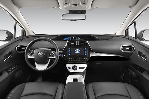4-Toyota-Prius-4