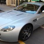 El Aston Martin Vantage, conducido por el actor Timothy Dalton en Alta tensión y que está disponible a partir de 40.000 euros