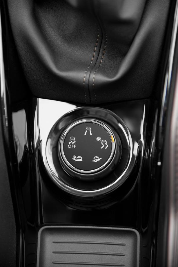 Peugeot-Grip-Control-2