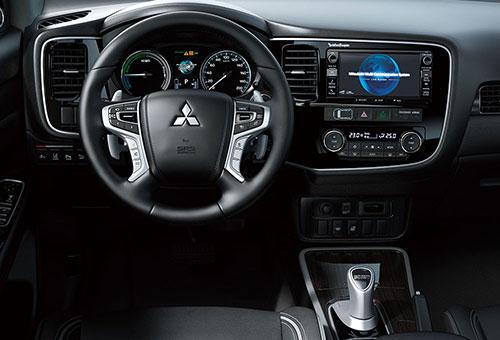 2-Mitsubishi-Outlander-PHEV-2
