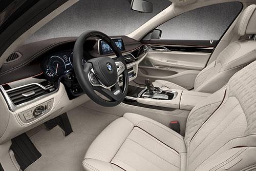 BMW-M760Li-xDrive-4