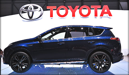 IMG_8614-Ok-Toyota-RAV4-hybrid-Sapphire