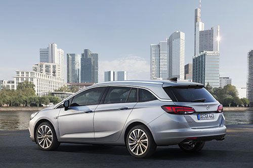 Opel-Astra-Sports-Tourer-5