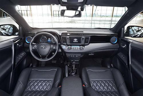 Toyota-RAV4-hybrid-Sapphire-3