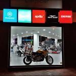 Fachada de Carpicar, concesionario Moto Guzzi del Grupo Piaggio.