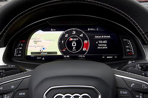 Audi-SQ7-4