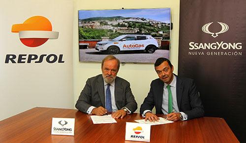 firma-acuerdo-repsol-autogas-ssangyong-espana