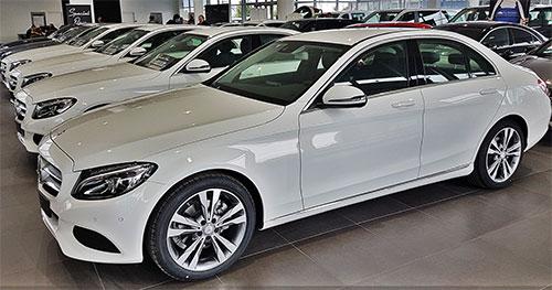 Mercedes-Benz C 200 Diesel Automático Sportive Avantgarde. Nuevos  Oferta: 33.500 euros, financiado con Alternative MBFS Ahorro: 9.700 euros.